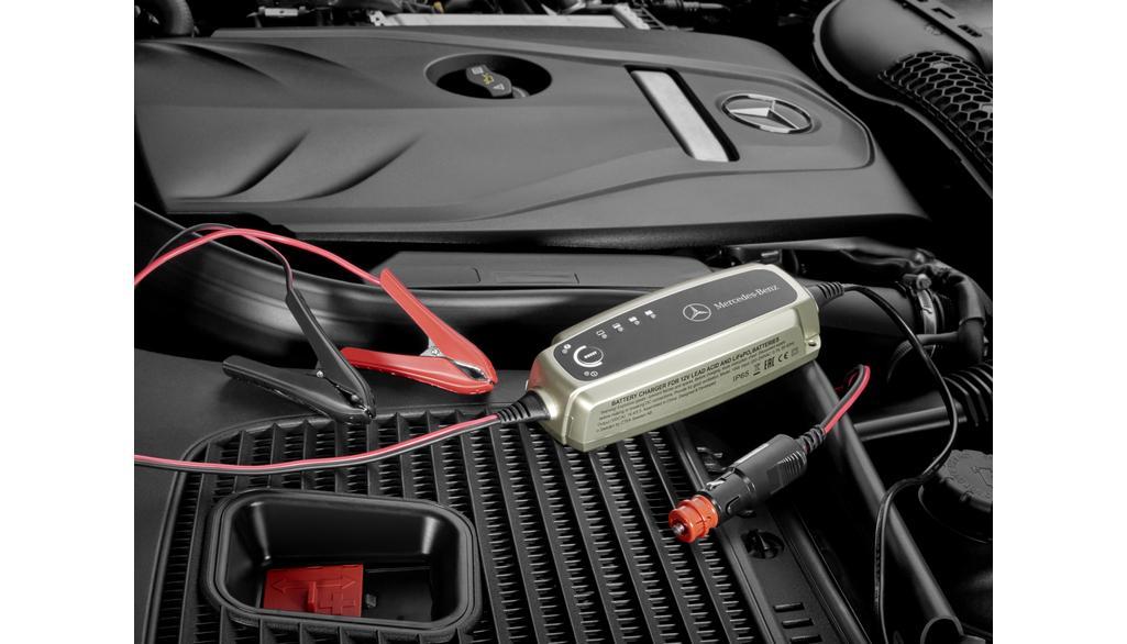 Mercedes-Benz Batterieladegerät