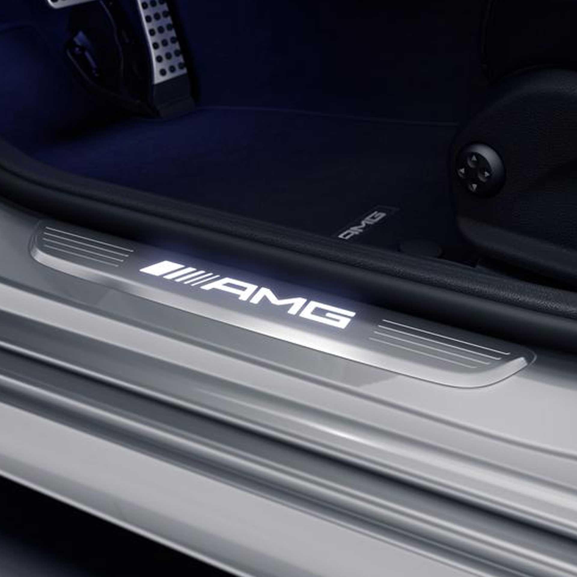 Mercedes-AMG Wechselcover für Einstiegsleisten beleuchtet vorne 2-teilig weiß