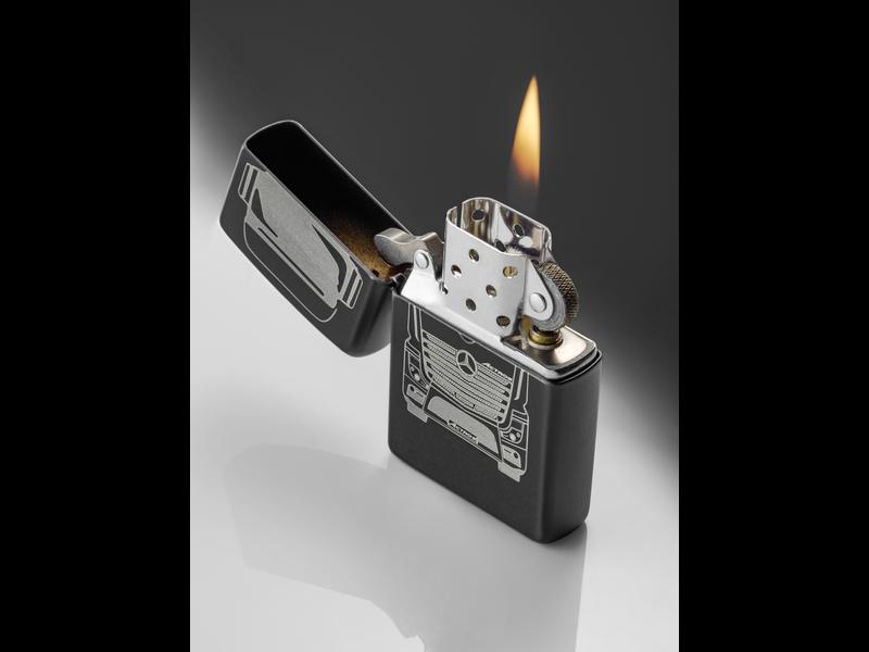 Mercedes-Benz Feuerzeug  Actros mattschwarz by Zippo