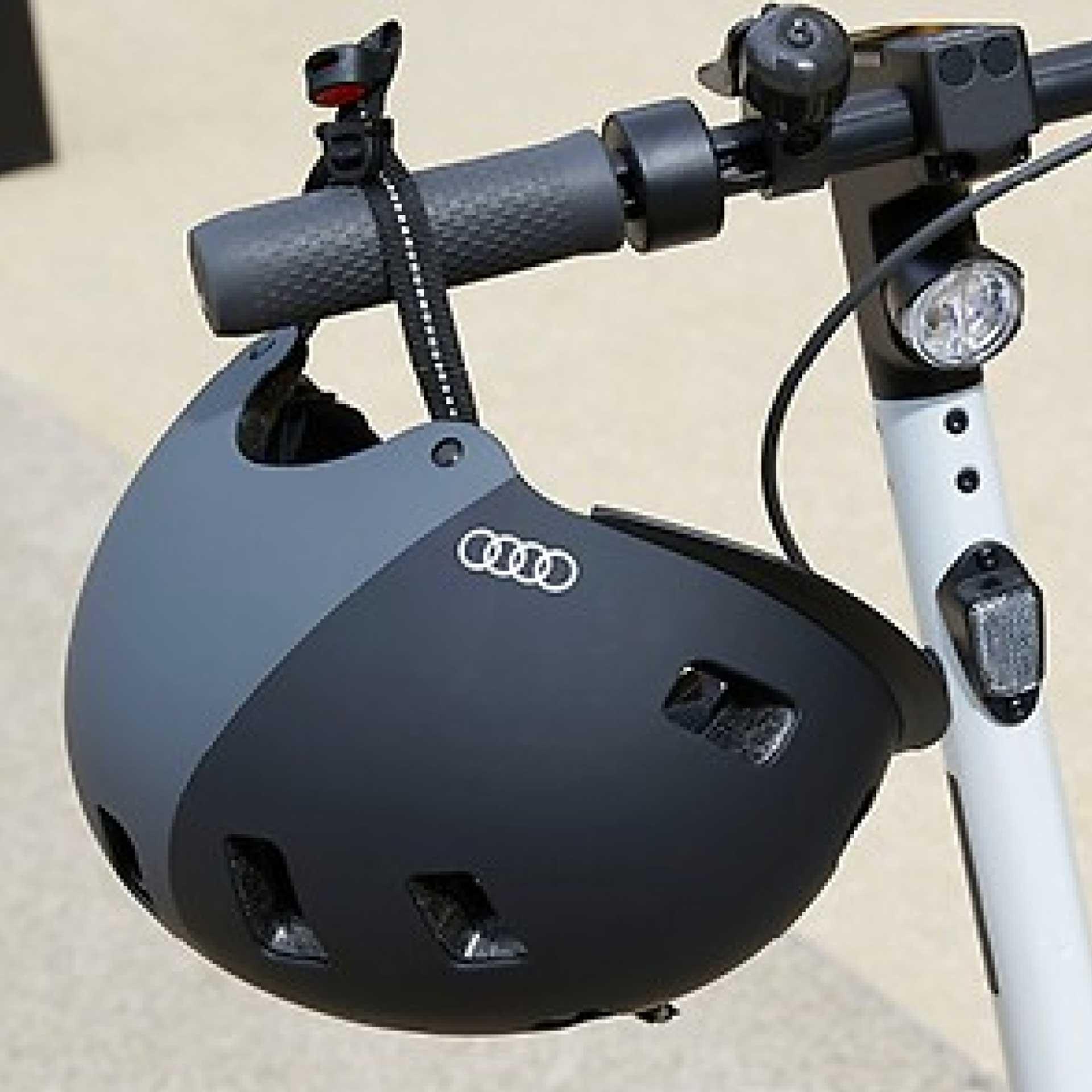 Audi Helm für E-Scooter und Fahrrad