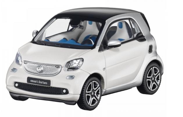 Modellauto 1:43 smart fortwo coupe