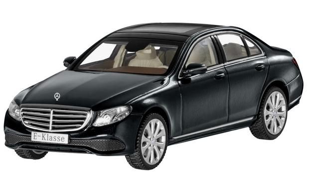 Modellauto 1:43 Mercedes-Benz E-Klasse Limousine EXCLUSIVE