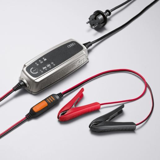 Audi Batterieladegerät